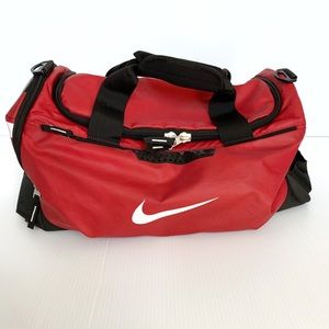 Nike Large Duffel Gym Sport Bag Red Pre-owned